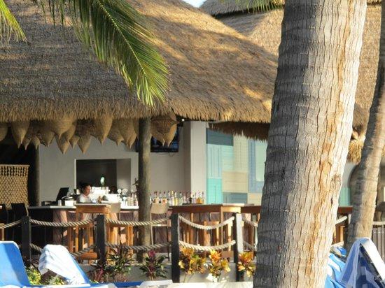 Renaissance Aruba Resort & Casino: Restaurant on Renaissance Island