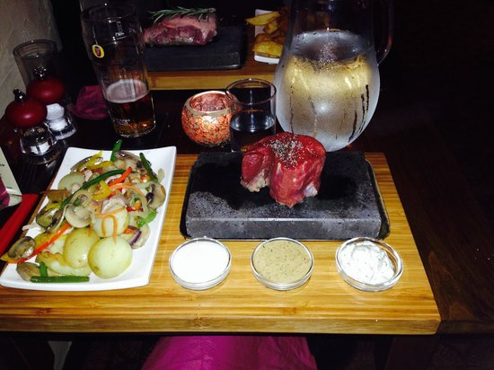 The Boot Inn: Steak on the stone
