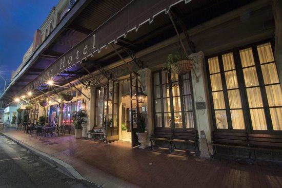 Lafayette Pub & Bistro