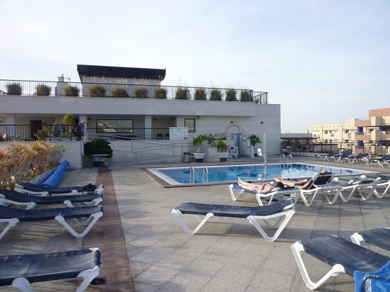 Hotel Zentral Center: Roof terrace and pool
