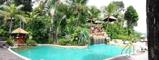 Centara Villas Phuket : Lower pool area