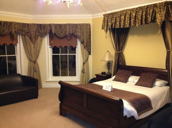 Best Western Claydon Hotel: The lovely deluxe double with canopy - no. 201?