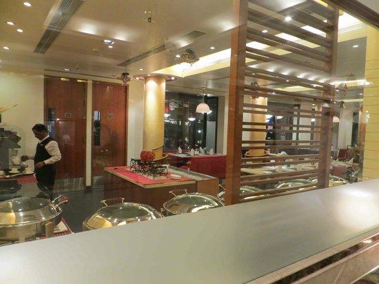 Kenilworth Hotel, Kolkata: Dining
