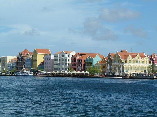 Avila Beach Hotel: Willemstad Port Area
