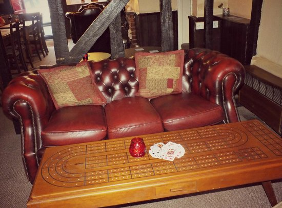 The Red Lion: Cribbage table