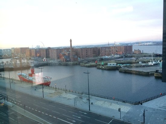 Travelodge Liverpool Central The Strand: View of the Albert Docks