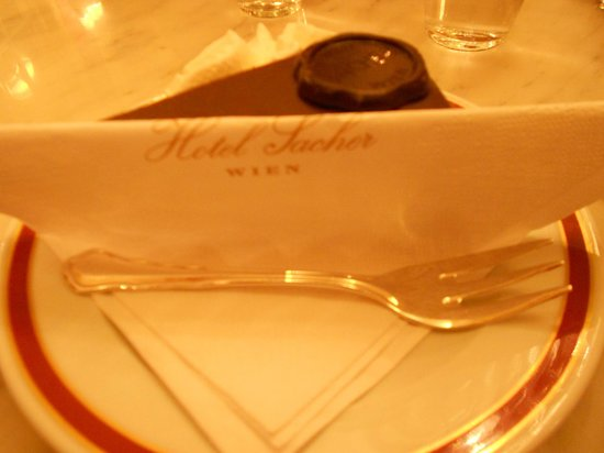 Cafe Sacher : fetta di Sacher
