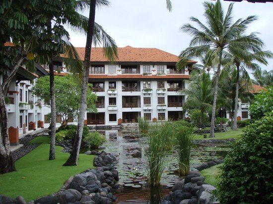 Grand Hyatt Bali: Rooms from the Beach