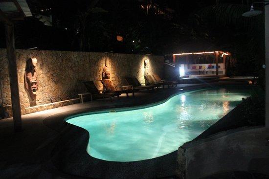Hotel Moana: piscine et aménagement de l'hôtel