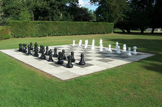 Hatfield Heath, UK: Giant Chess