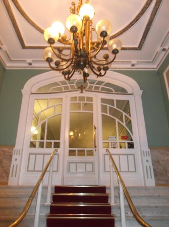 Grande Hotel de Paris : Hotel entryway