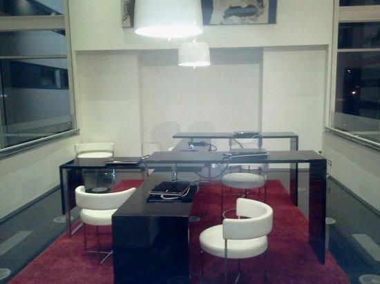 Axor Barajas Hotel: internet room
