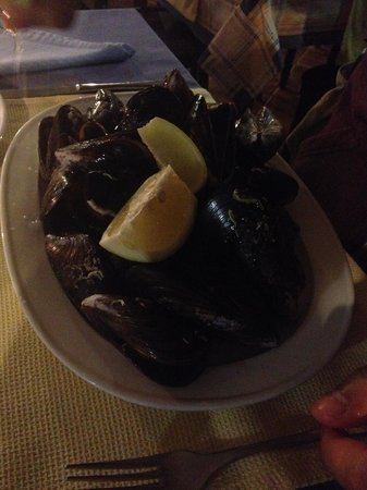 Astillero Avencio : Mussels Steamed