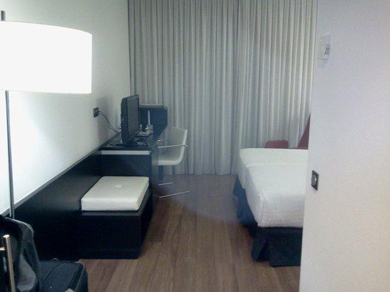 Axor Barajas Hotel: my room