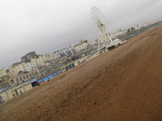 New Steine Hotel: View from pier