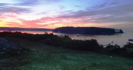 Ship Ahoy Motel: Sunrise spectacular