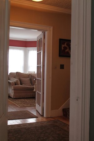 The Chadwick Bed & Breakfast : view into living room