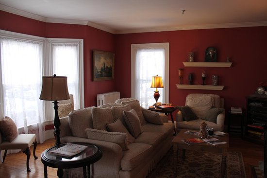 The Chadwick Bed & Breakfast : the shared living room
