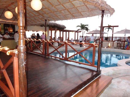 Hotel Playa Fiesta: Dance Floor over the Pool (wedding reception)
