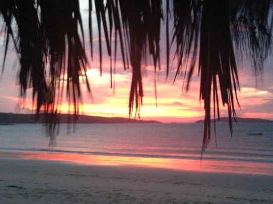 Svendsens Beach: Beautiful Sunsets