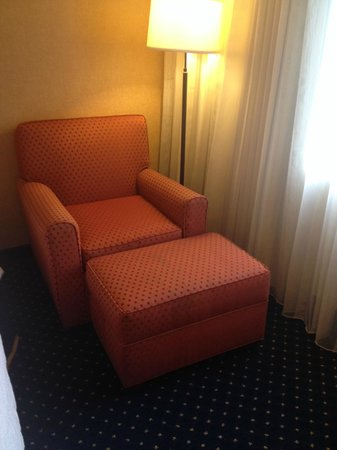 Courtyard Gainesville: Chair