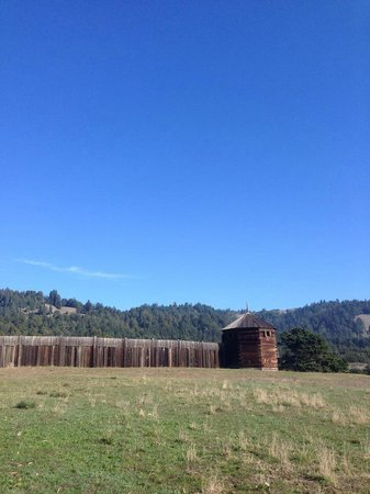 Fort Ross Lodge : Fort Ross is nearby and definitely worth stopping to check out