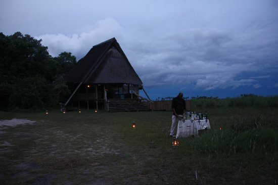 Selinda Camp: Coming back from a game drive