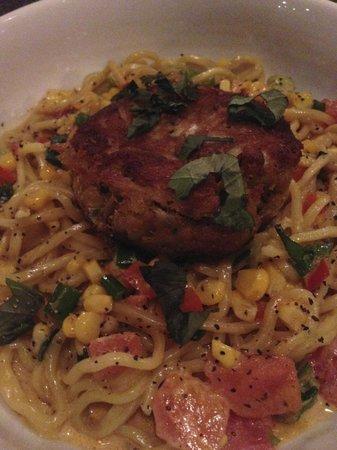 Kramerbooks & Afterwords Cafe: Nicest crab cake pasta ever!