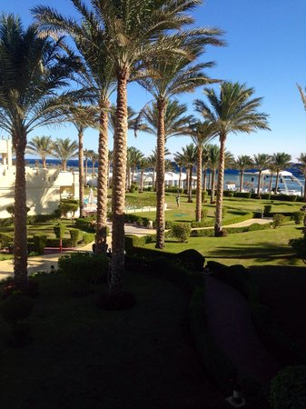 Rixos Sharm El Sheikh : View from our junior suite looking onto beach