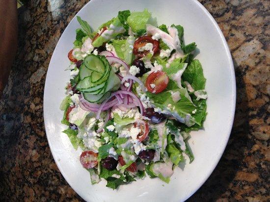 Bella Bistro: Greek salad