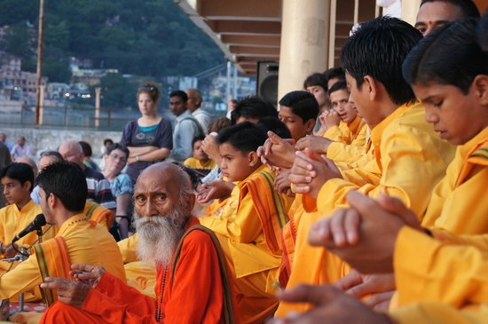 Ananda in the Himalayas: Ganga aarti