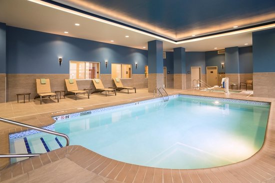 Hilton Garden Inn Sioux Falls Downtown : Take a dip in our complimentary  indoor swimming pool