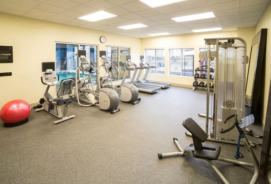 Hilton Garden Inn Sioux Falls Downtown : Get in a workout at our complimentary 24-hour fitness center