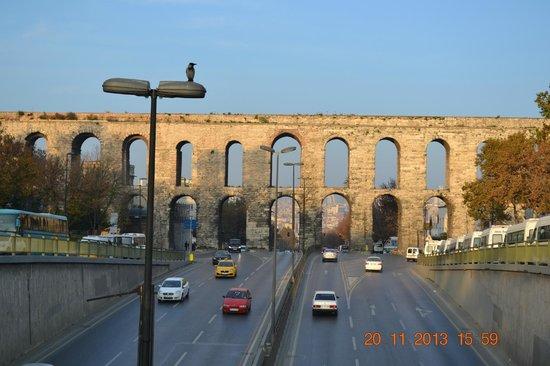 The Suite Istanbul : Aquaduct  200 mt