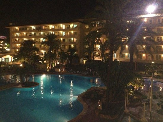 BCM Hotel: The Pool at Night