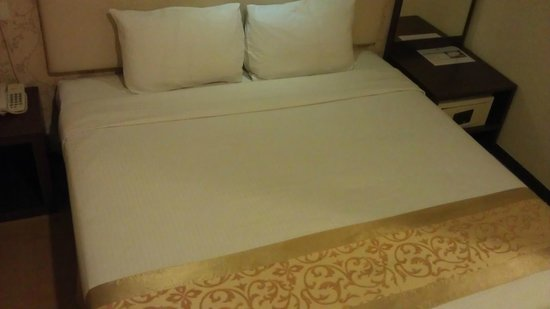 Eight Days Boutique Hotel (Mount Austin) : bed