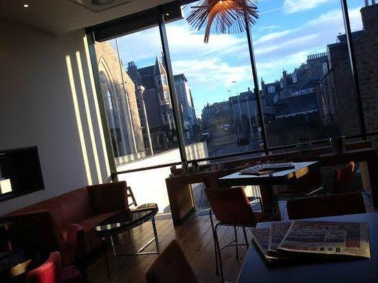 Park Inn by Radisson Aberdeen: Bar Lobby