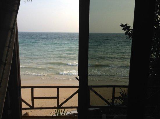 Rantee Cliff Beach Resort: vista mare