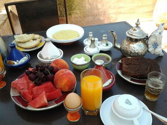 Riad Laaroussa Hotel and Spa : breakfast