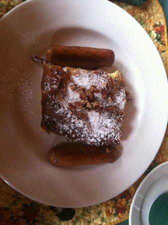 Knickerbocker Mansion Country Inn: breakfast