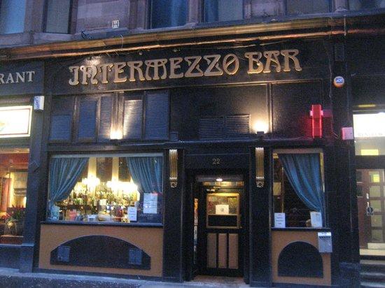Intermezzo Bar: The exterior