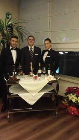 Apogia Sirio Venice: Lo staff ristorante: Giovanni, il maître Sergio e Veronica