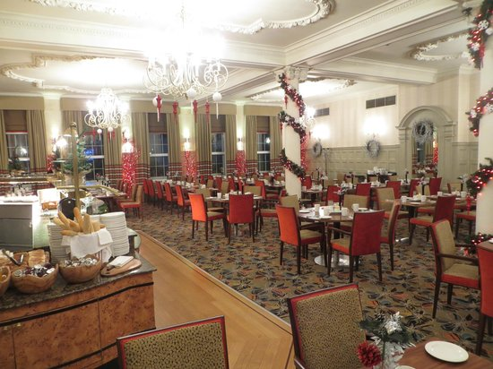 Breakfast room in December at The Rembrandt, London