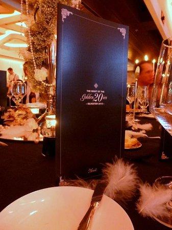 Hotel Vier Jahreszeiten Kempinski Munchen: Tisch / Silvester Ball / Menü