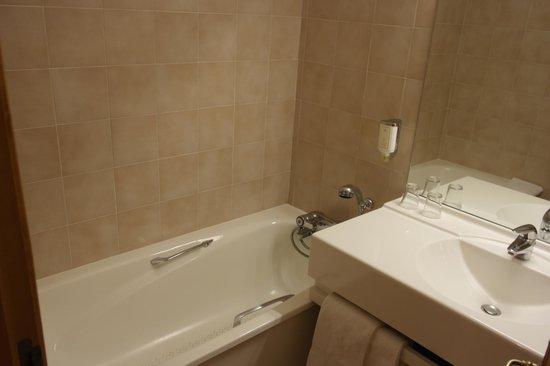 Hotel Autantic : Salle de bain