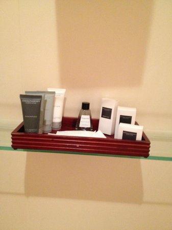 JW Marriott Essex House New York: toiletries