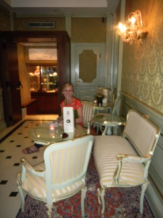 Hotel Colombina: adorable sitting area