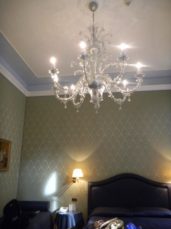 Hotel Colombina : beautiful murano glass chandelier
