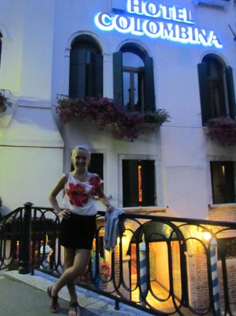 Hotel Colombina: still pretty at night