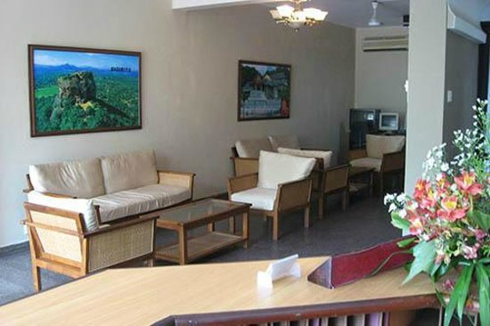 Tropic Inn Hotel: lobby